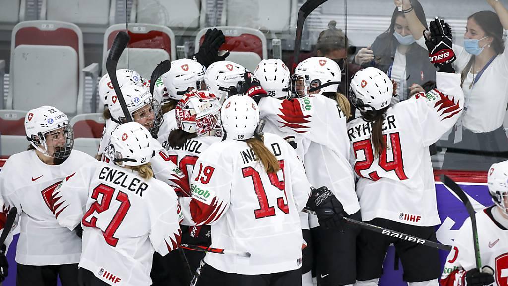 Die Schweizerinnen freuen sich über den Halbfinal-Einzug