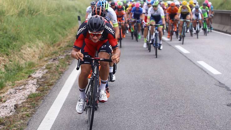 Silvan Dillier (im Vordergrund) betritt mit dem Giro d'Italia seine erste dreiwöchige Rundfahrt.