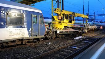 Kam nicht weit: Die S-Bahn kollidierte im HB Zürich mit einem Bauzug.