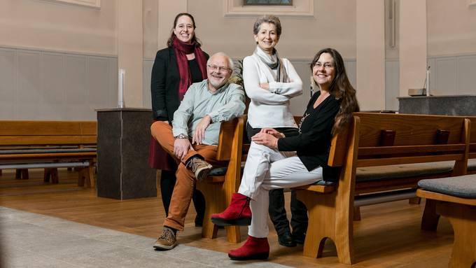 Geben betroffenen Eltern und Angehörigen einen Ort zum Trauern: Franziska Schär, Edwin Rutz, Paola Suter und Franziska Tschopp (von links).