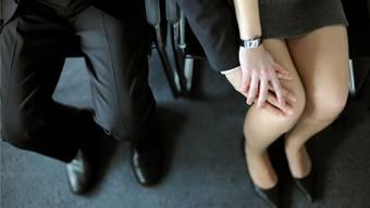 Sexuelle Belästigung wird in Basel häufiger zur Anzeige gebracht, nur ist die Dunkelziffer immer noch gross. (Symbolbild)
