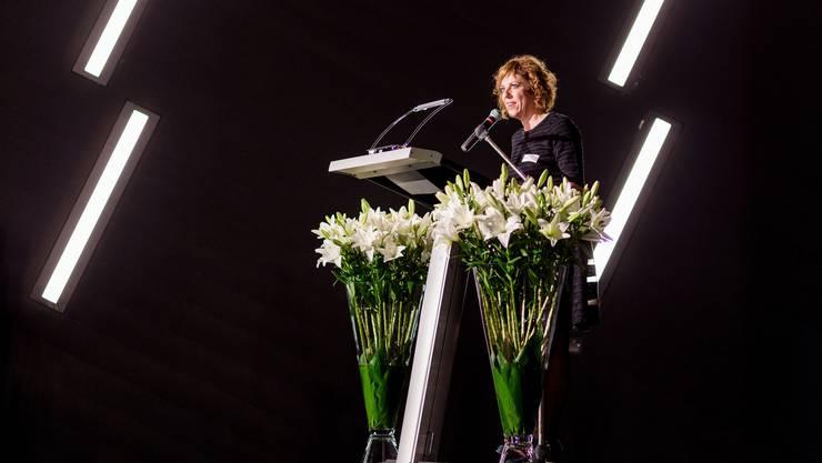Die Preisträgerin Sabine Boss bei ihrer Dankesrede.