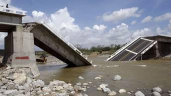 """Eine eingestürzte Brücke nach dem Durchzug von """"Odile"""""""