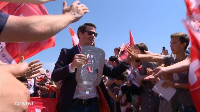 Riesiger Empfang für Schweizer WM-Helden