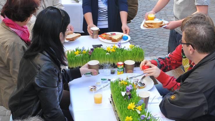 Markenzeichen: Der lange Tisch in der Hauptgasse (Bild aus dem Jahr 2011) Bruno Kissling