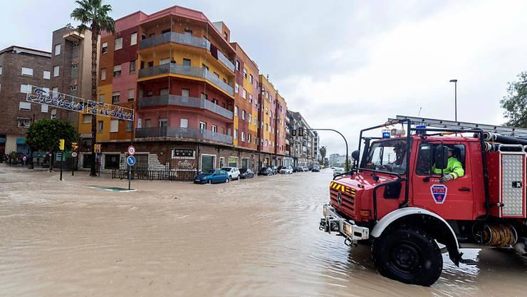 Überschwemmungen in Spanien: In der Stadt Molina de Segura stehen Strassenzüge unter Wasser.