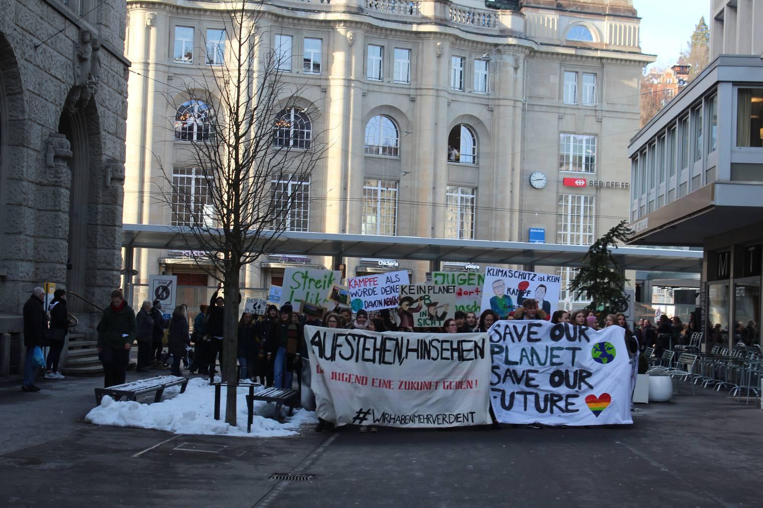 Wiederum führte der Streik durch die Stadt. (Bild: FM1Today/Tobias Bruggmann)