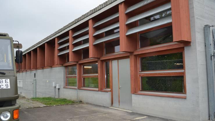 Bleibt im Gespräch: Truppenlager in Reuss-Nähe als Asylbewerberstätte für 125 Personen.Sl/archiv