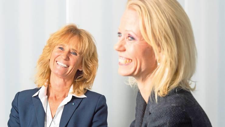 Zwei Mitte-Politikerinnen sind sich nicht einig. Susanne Voser (links) und Lilian Studer diskutieren über die Abstimmungsvorlage vom 9. Februar.