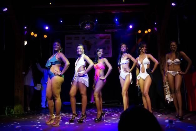 Die Finalistinnen im Bikini