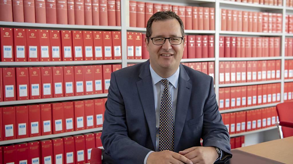 Der ehemalige ausserordentliche Bundesanwalt Stefan Keller ist plötzlich selber im Visier der Justiz. Die Immunitätskommission des Nationalrats will seine Immunität jedoch nicht aufheben. (Archivbild)
