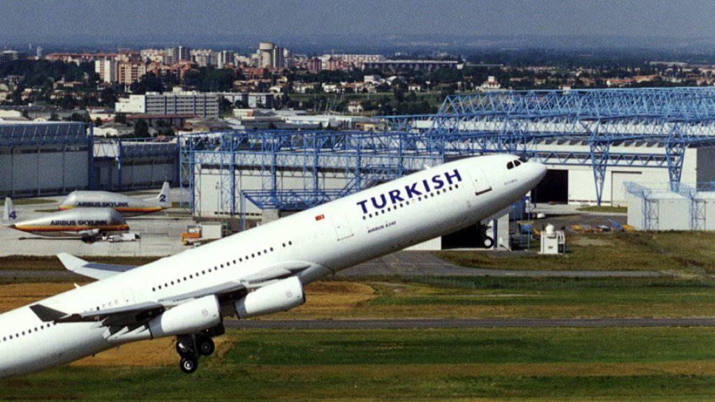 Von den Turbulenzen betroffen war eine Maschine der Turkish Airlines mit 347 Menschen an Bord. (Symbolbild)