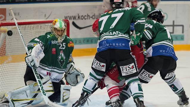 Die Oltner Verteidigung kassierte gegen Ajoie fünf Tore. Quelle: Marcel Bieri