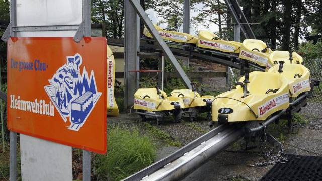 Schlitten der Rodelbahn Heimwehfluh bei der Bergstation: Hier kam im 2010 eine pakistanische Touristin ums Leben (Archiv).