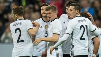 Erzielte für Deutschland auch gegen Italien wieder ein Tor: Toni Kroos (Bildmitte)
