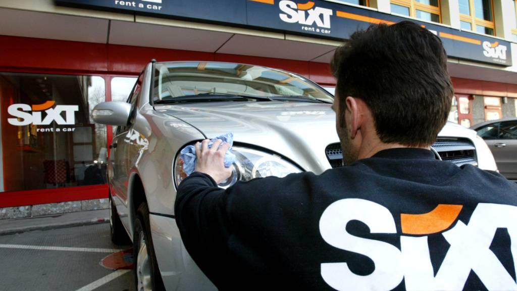 Autovermieter Sixt erwartet dank gutem Feriengeschäft mehr Gewinn