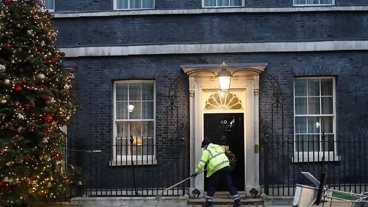 Unterhändler der Europäischen Union und Großbritanniens arbeiteten die ganze Nacht und bis in den Heiligen Abend hinein, um einem Handelsabkommen den letzten Schliff zu geben. Foto: Frank Augstein/AP/dpa