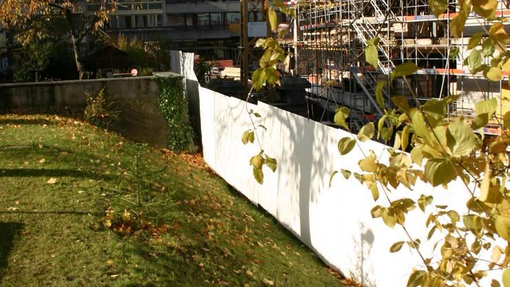 Fertigstellung: 2010 Nächsten Oktober sollen die 41 Wohnungen im Neubau beim Alters- und Gesundheitszentrum Ruggacker in Dietikon bezugsbereit sein. zim