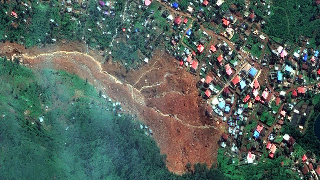 Satellitenbild des Erdrutsches in Freetown.
