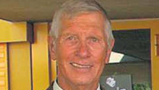 Edgar Knecht, Rektor der Kantonsschule Baden 1989–2001.
