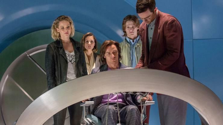"Szene aus ""X-Men: Apocalypse"", dem aktuellen Lieblingsfilm der Schweizer. V.l.n.r.: Jennifer Lawrence, Rose Byrne, James McAvoy, Lucas Till und Nicholas Hoult. (Archivbild)"