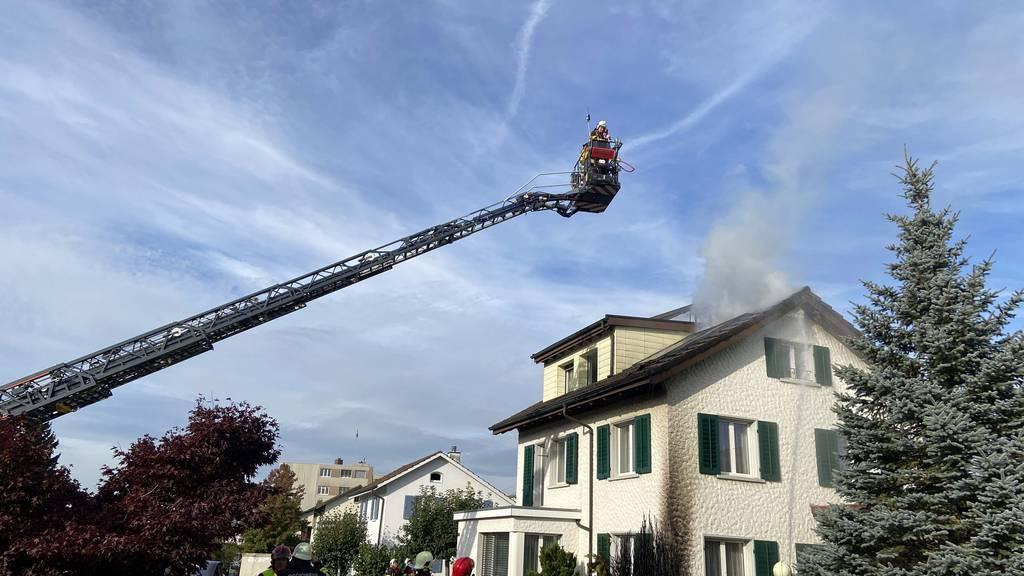Unkrautvernichtung mit Gasbrenner löst Dachstockbrand aus
