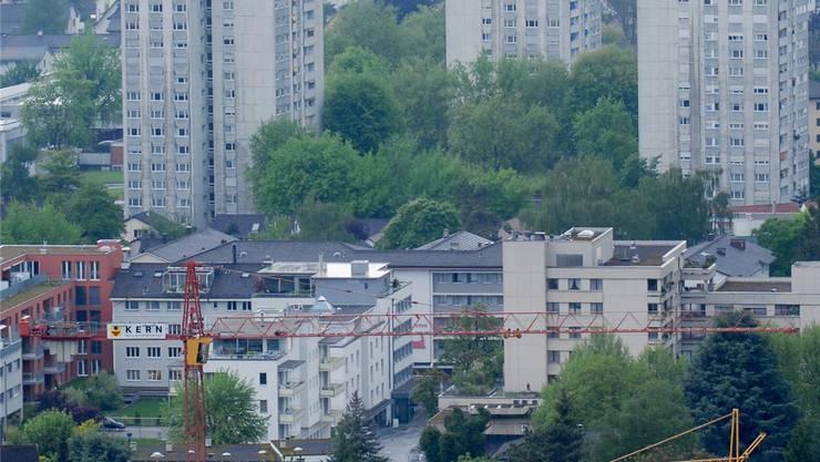 «Im Moment besteht noch kein Notstand an günstigen Wohnungen, sie werden aber immer knapper», sagt ein Immobilienexperte. AZ/Archiv