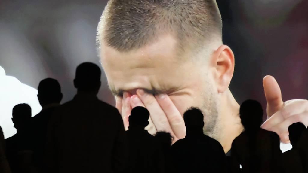 Englische Fans gehen auf eigene Spieler los