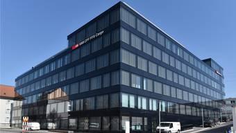 Der neue Hauptsitz von SBB Cargo im neuen Gebäude namens SBB-Aarepark an der Oltner Bahnhofstrasse 12 bietet auf 11500 Quadratmeter Hauptnutzfläche 750 Arbeitsplätze für 900 Mitarbeitende.