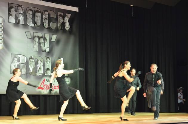 Die Hot Jumpers tanzen ihre Choreographie.