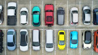 Buchs führt ein neues Parkierungsreglement und gleichzeitig eine digitale Parkkarte ein. (Symbolbild)