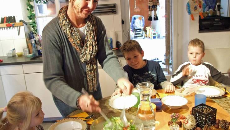 Tagesmütter könnten bald einer bezirksweiten Organisation unterstellt sein.  AZ ARCHIV
