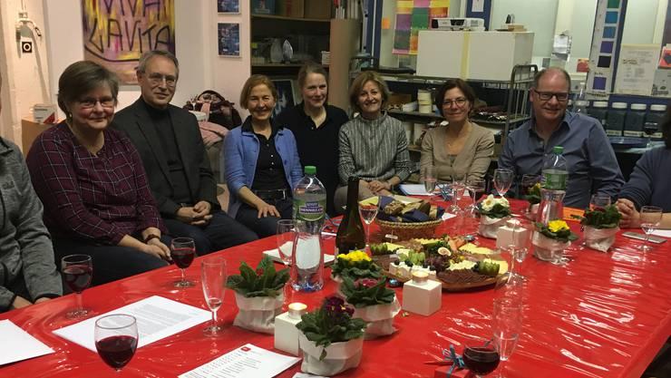 Die Teilnehmenenden der GV SP Gretzenbach mit Regierungsrätin Susanne Schaffner (vierte von links) und Kantonsrat Urs Huber (zweiter von rechts)