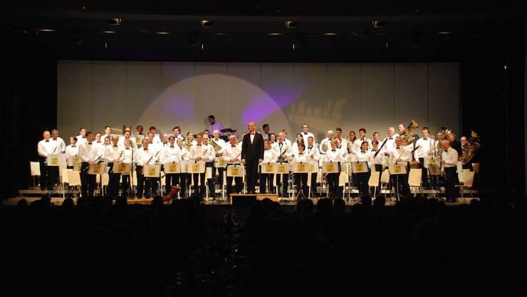 1_Am Ende des Jahreskonzerts erntete die Stadtmusik Dietikon tosenden Applaus