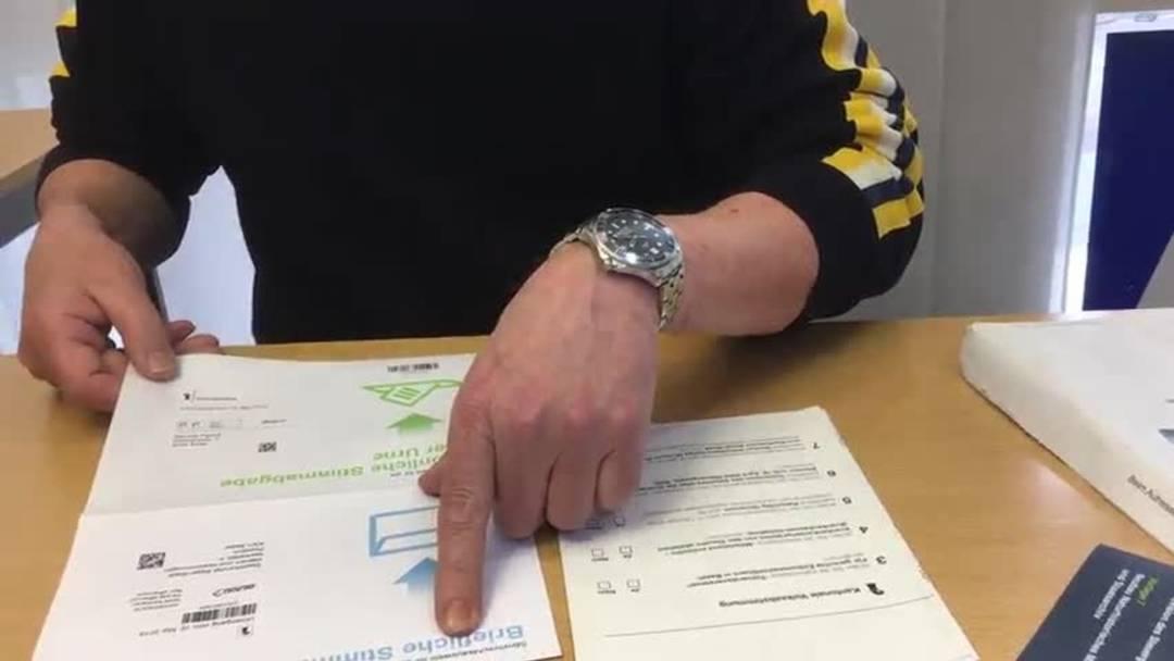 Erklärbär Dominique zum neuen Stimmrechtsausweis Basel-Stadt