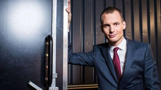 Moderator Jonas Projer.