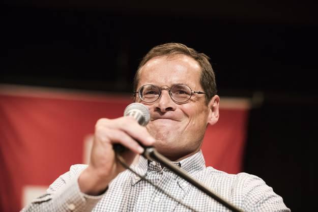 Mal herzhaft lachend, mal verbissen: Als Journalist war und ist Roger Köppel sprachwitzig und sogar auch mal selbstironisch. Doch als Politiker neigt der Zürcher SVP-Nationalrat zu ideologischem Starrsinn.