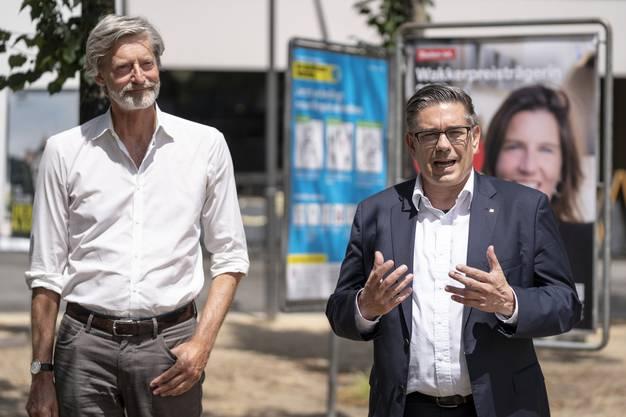 Nicht nur farbige Stühle gibt es jetzt in Baden, sondern auch eine Plakatkampagne zum Wakkerpreis.
