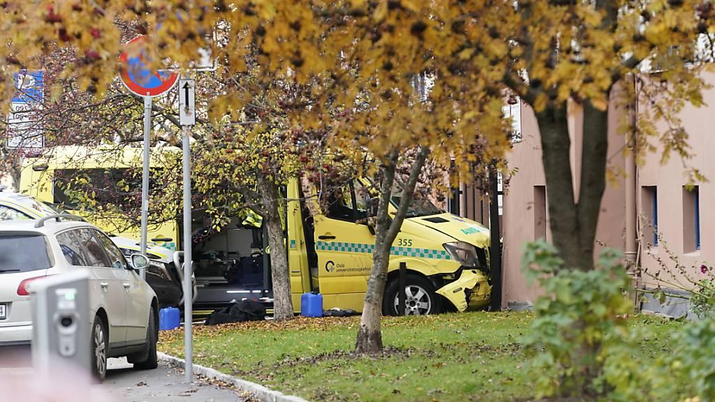 Frau und Kind von gestohlenem Krankenwagen in Oslo angefahren