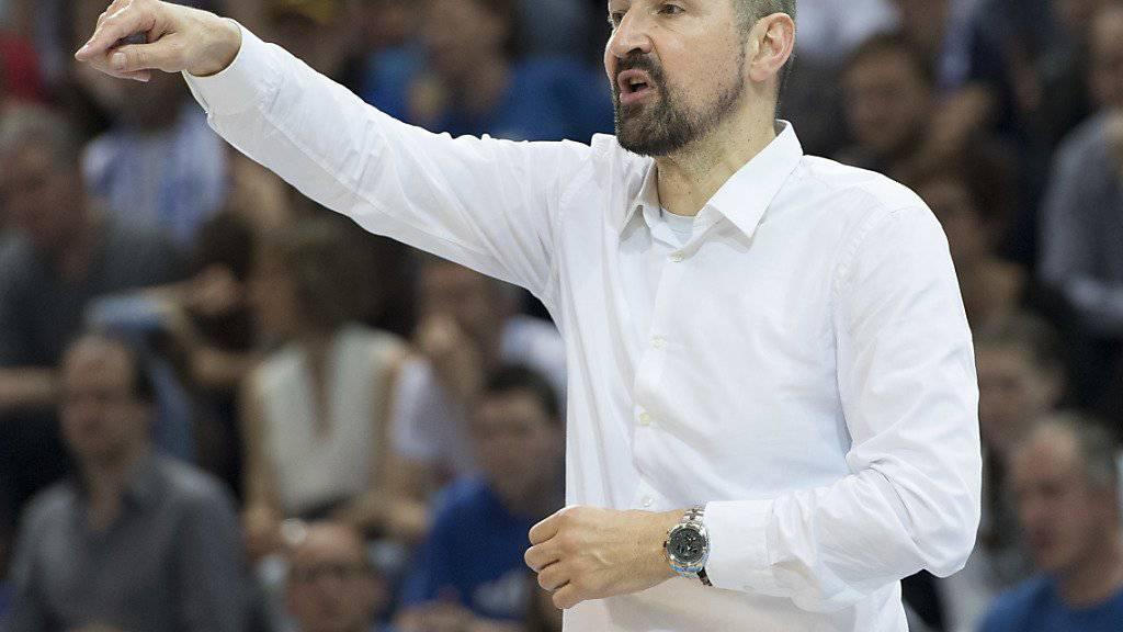 Nationaltrainer Petar Aleksic verliert mit der Schweizer Nationalmannschaft zum Auftakt der EM-Qualifikation in Island