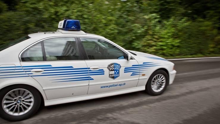 Die Patrouille der Kantonspolizei Aargau befand sich in derselben Gemeinde, als der Notruf einging. (Symbolbild)