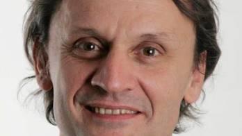 Karatelehrer und J+S-Experte für Gewaltprävention mit Sport. Der 55-Jährige leitet ausserdem das Zentrum für Kampfkunst und Gesundheit in Bern. Er erlangte einige Bekanntheit, nachdem er die Biografie über den Kampfsportler Andy Hug verfasst hatte.