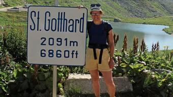 Auf dem Gotthardpass hat Tatiana Kolly ihre erste Wander-Route beendet.