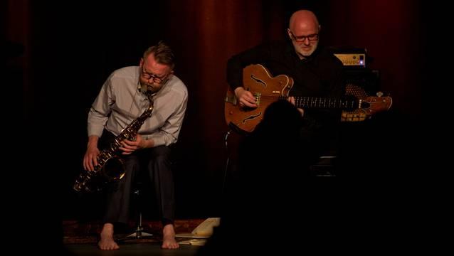 Melancholisch-einlullendes Spiel: Die Isländer Oskar Gudjonsson und Skuli Sverrisson (von links) bei ihren Auftritt «Jazz geht Baden».