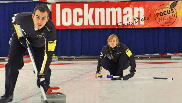 Mario Freiberger und Michèle Jäggi nehmen als Titelverteidiger an der Mixed Doubles Curling Challenge in Urdorf teil. zvg