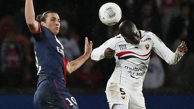 PSG-Matchwinner Ibrahimovic (links) im Duell mit Gomix