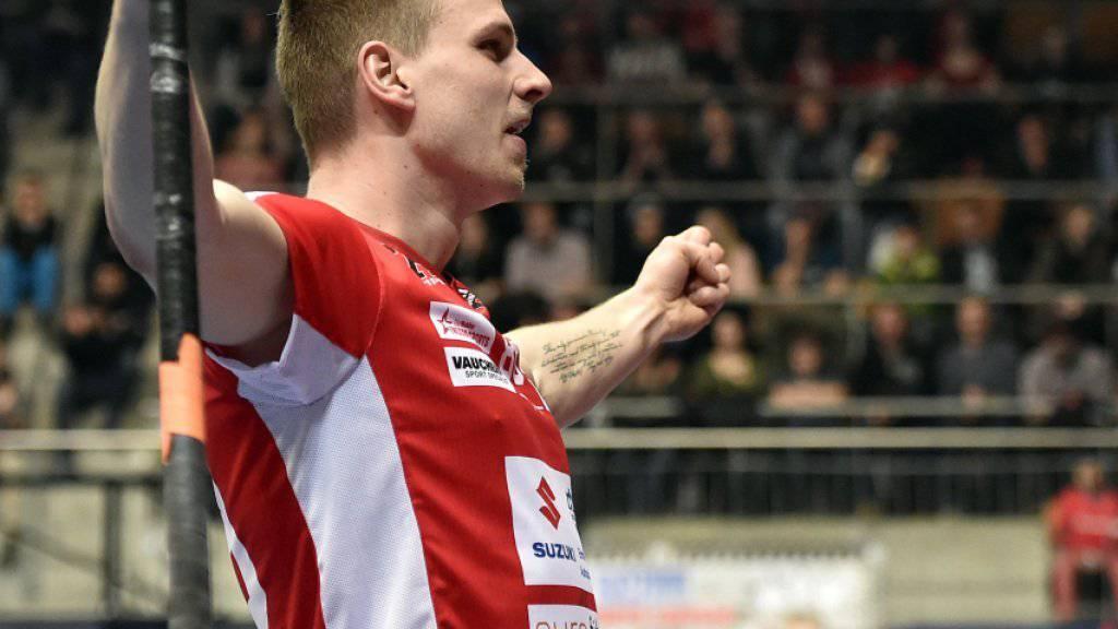 Der Könizer Kaspar Schmocker ballt nach einem Treffer die Fäuste