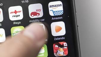 Immer häufiger werden im Online-Handel Waren von Personen bestellt, die bereits wissen, dass sie diese nicht bezahlen können. (Archivbild)