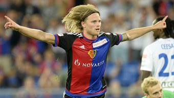 FCB-Spieler Birkir Bjarnason feiert seinen 1:0-Siegtreffer im Rückspiel gegen Lech Posen