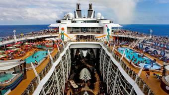 Platz für 5400 Passagiere: «Allure of the Seas» – das grösste Kreuzfahrtschiff der Welt.Corbis